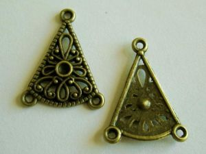 triangle korvisrunko antique brass plated