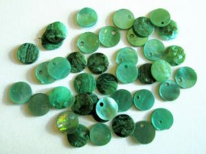 Shell sequin 9mm green