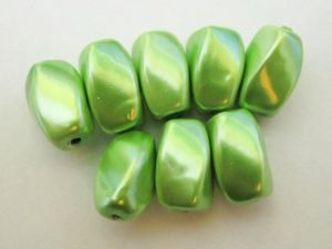 Magnet bead light green