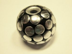 Indonesian bead with balls black IND9