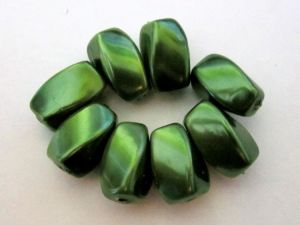 Magnet bead dark green