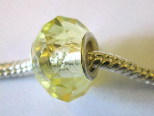 Crystal bead yellow big hole