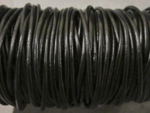 Leather cord 1,5mm round black