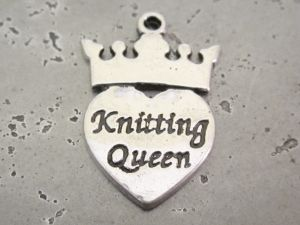 "Riipus ""Knitting Queen"