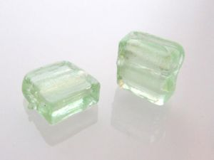 Silver foil bead light green 12x12 mm (4pcs)