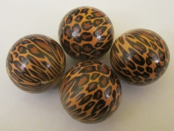 Wood bead leopard brown (4pcs)