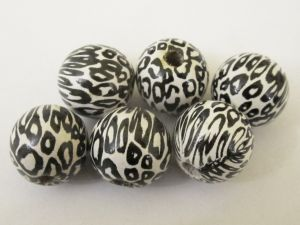 Wood bead leopard white (6pcs)