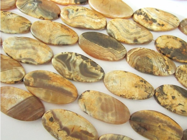 Agate flat oval aged