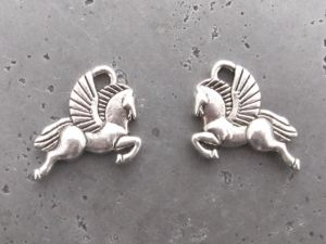 Pendant small pegasos (1pc)