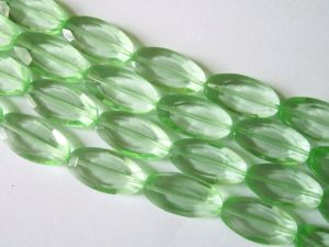 Crystal glass bead flat oval light green JGB0061