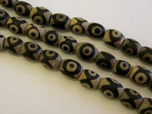 Dzi-bead black-white with eye pattern