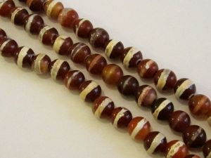 Dzi- agate bead strand 10mm stripy