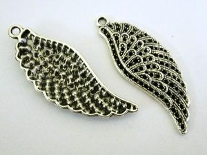Pendant old style wing (2)