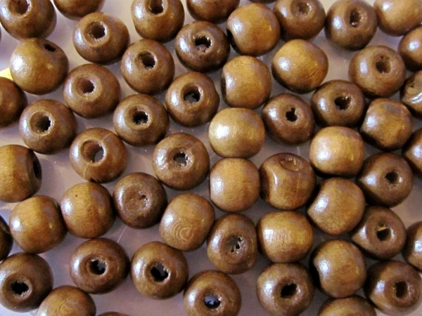 Wood bead greyish brown (9x10mm)