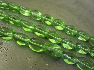 Glass bead curvy light green