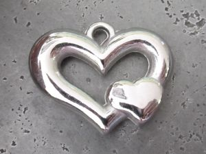 Copper coated bead double heart CCB5036