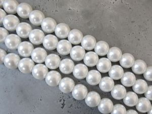 Glass Pearl 10mm white HL04