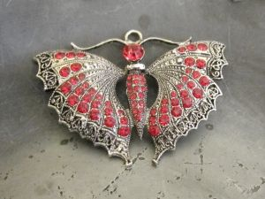 Pendant butterfly with red rhinestones