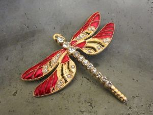 *Pendant dragonfly red/ gold