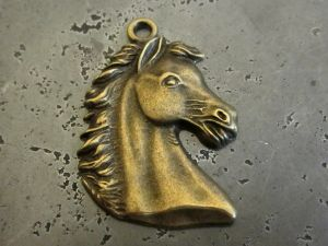 Pendant big horse's head B
