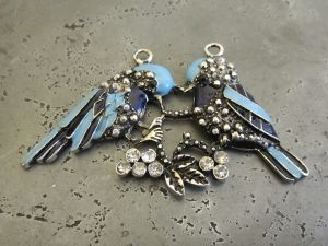 Pendant bird couple