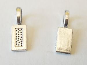 Pendant bail rectangle clue on