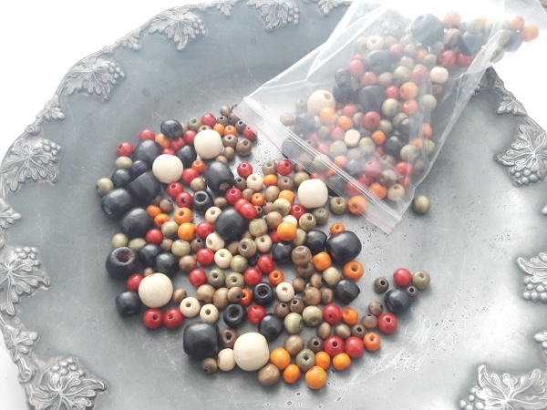 Wood bead mixture warm colors 125g