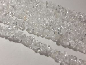 Crystal quartz chip about 7x10mm (86cm)