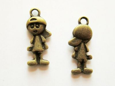Pendant boy with cap B