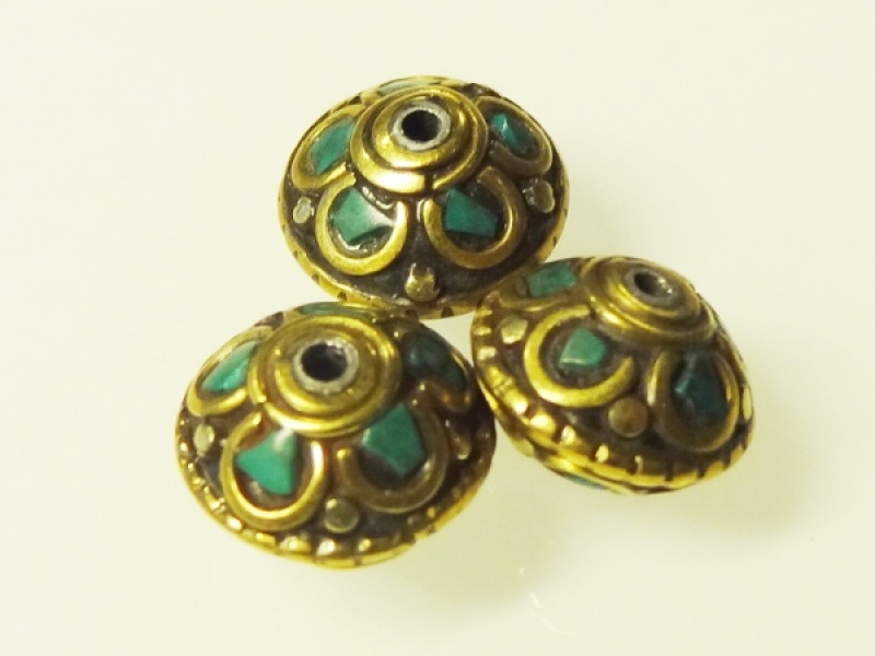 Nepalese bras and gemstone bead disc 12x8,5mm